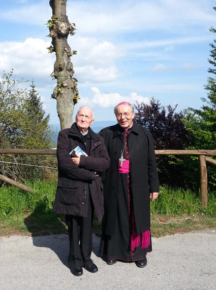 Don Oberto con il Vescovo